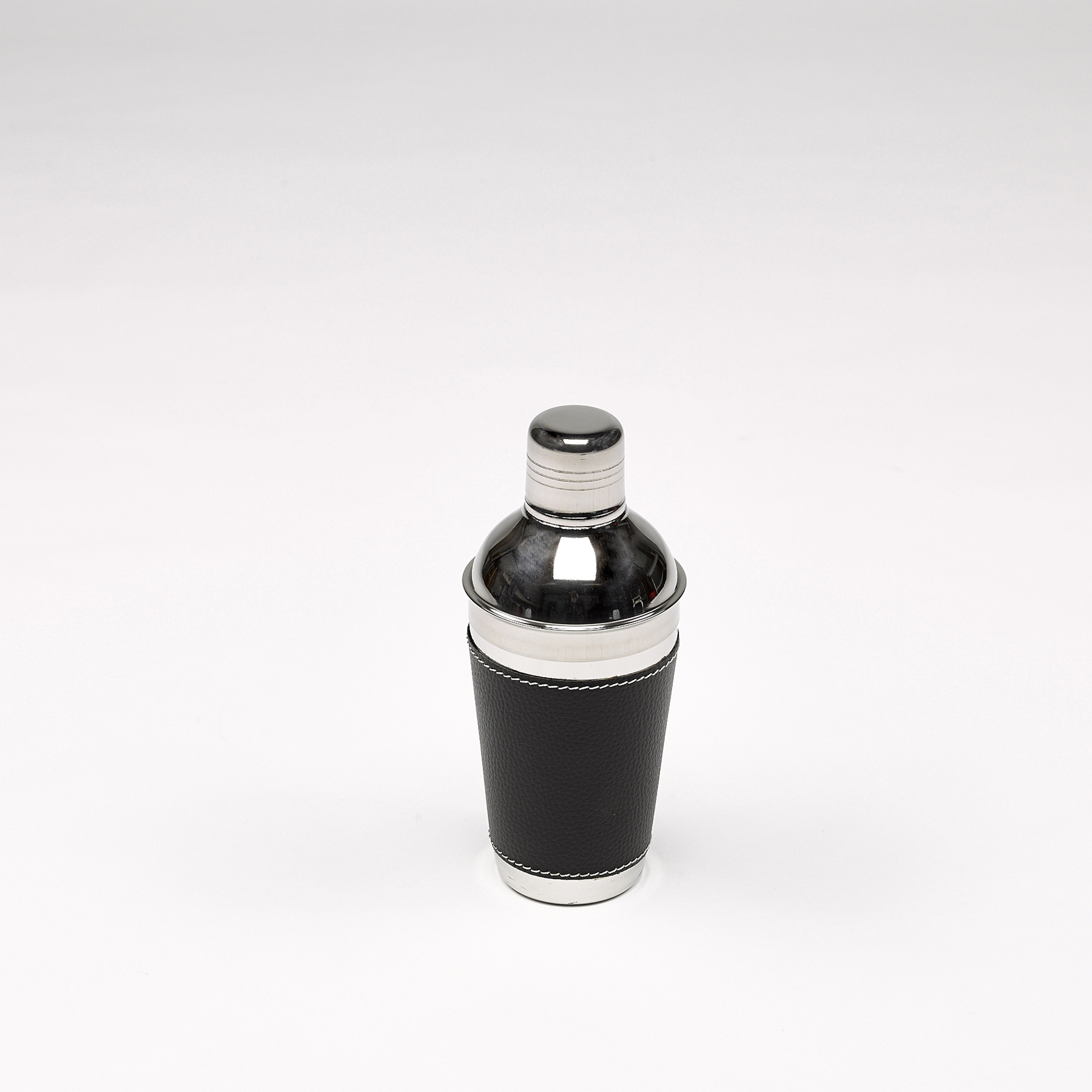 mélangeur cocktail noir cuir