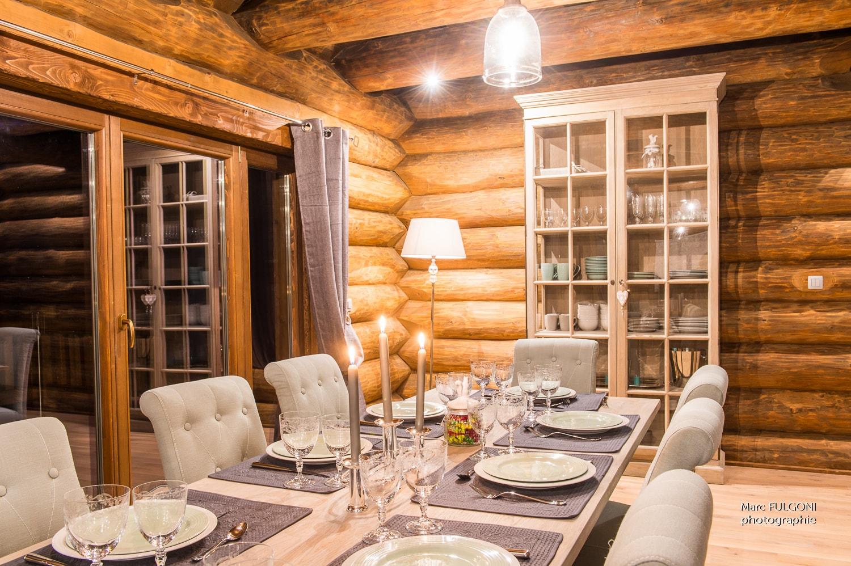 chalet harmony salle a manger prestige chalets. Black Bedroom Furniture Sets. Home Design Ideas